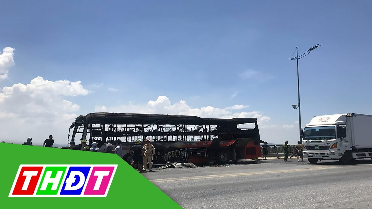 Thanh Hóa: Hỏa hoạn thiêu rụi xe khách giường nằm | THDT