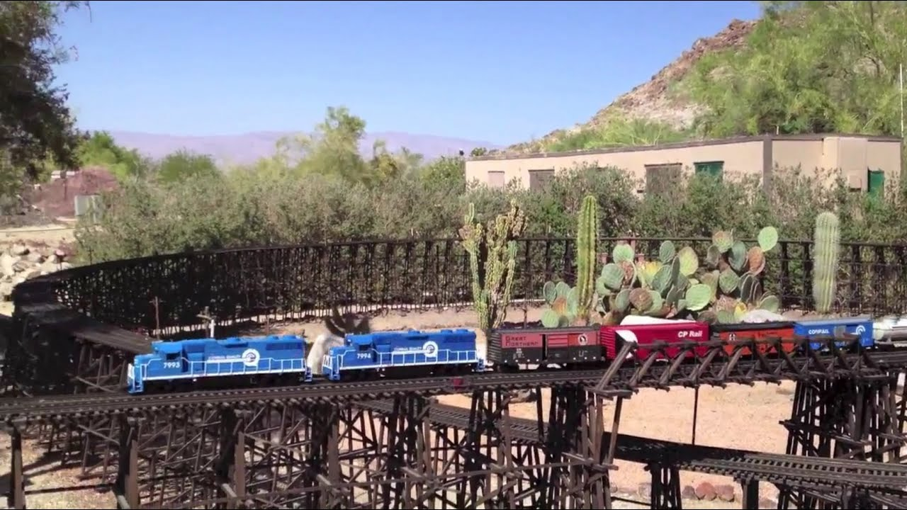The Living Desert ❤ G Scale Model Train ❤ Palm Desert CA, May 2012   YouTube