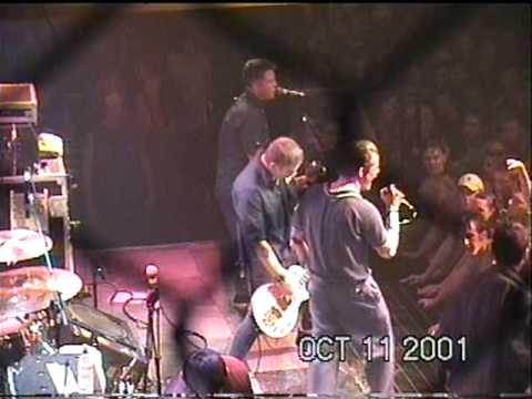 Dropkick Murphys-Rocky Road to Dublin[Live 2001]