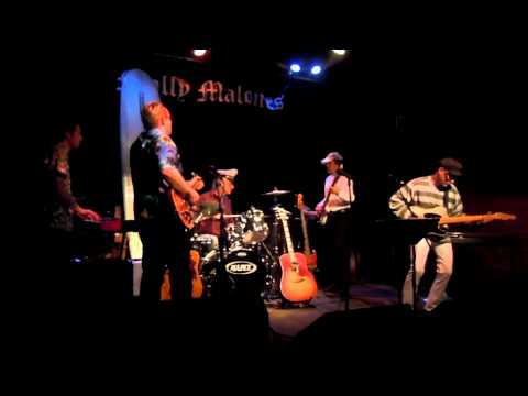 "Sin City All Stars cover Jerry Lordan ""Apache"" @ Molly Malone"
