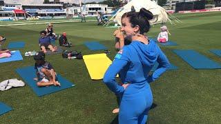 Jaime does Star Wars Yoga LIVE!!