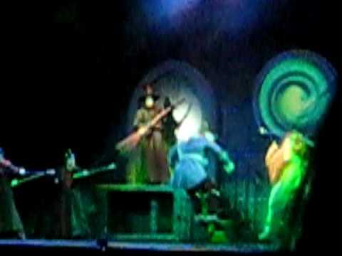 wizard of oz tour witch melting scene