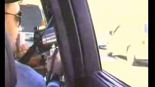 Прикол с громкоговорителем на дороге(, 2015-01-11T19:23:38.000Z)