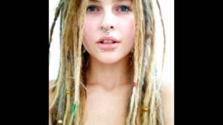 I-NESTA & MUOSES • ELLA BUSCA  ♥