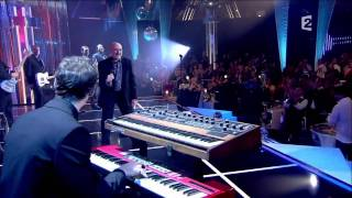 Phil Collins - (Love Is Like A) Heatwave  (11/12/10)
