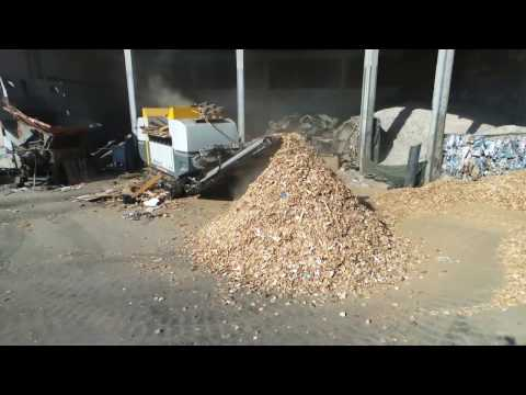 Shredding of waste wood | waste wood recycling with the XR-class