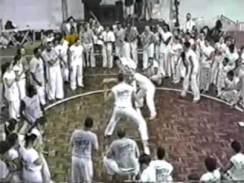 Mestre Pipoca: Mindinho integrante do Capoeira Brasil, visita...