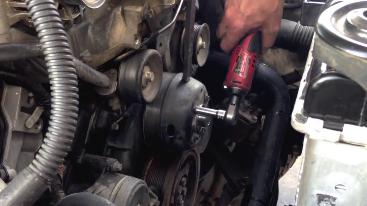 small resolution of water pump or fan clutch on the ford 6 0 powerstroke diesel bulletproof used youtube
