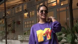 Make-up Free Esha Gupta spotted in Mumbai