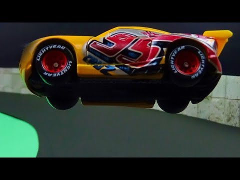 Cars 3 Cruz Ramirez Crash! What if Cruz switched to Lightning McQueen? Stop Motion Animation