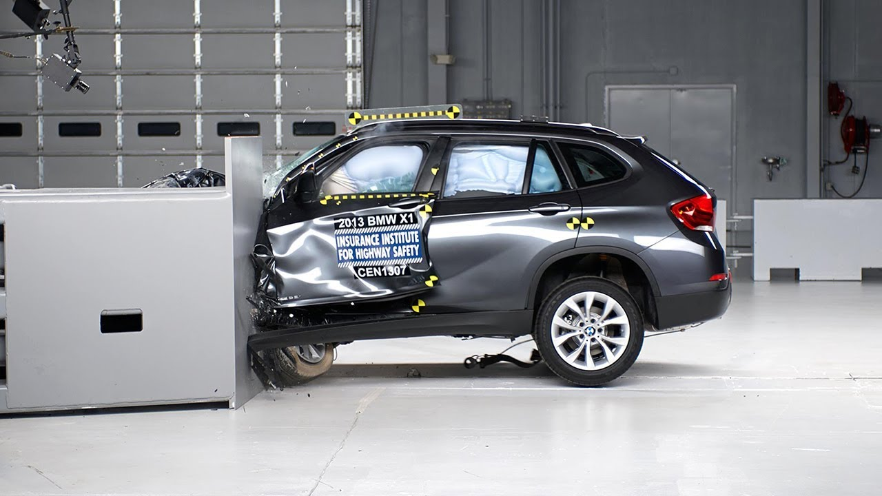 2013 bmw x1 driver side small overlap iihs crash test. Black Bedroom Furniture Sets. Home Design Ideas