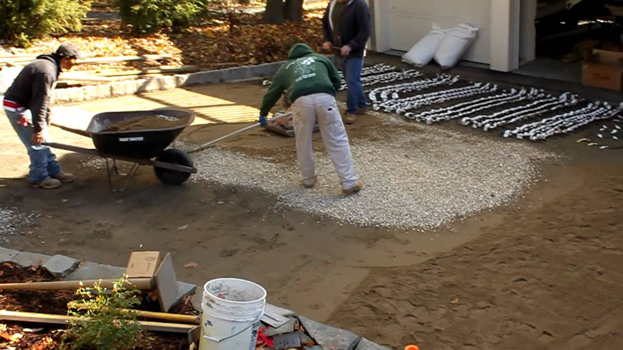 Heated driveway install youtube solutioingenieria Choice Image