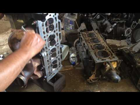 Фото к видео: Engine Head XU10J4R Reassembling - PEUGEOT 406