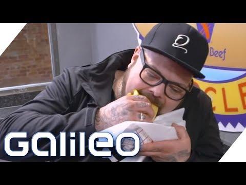 Das unfreundlichste Hot Dog-Restaurant in Chicago: Hier wird jeder beleidigt! | Galileo | ProSieben