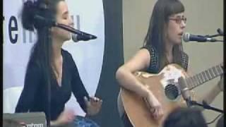 Miren Amuriza eta Maddalen Arzallus  (bertso eguna 2010) streaming