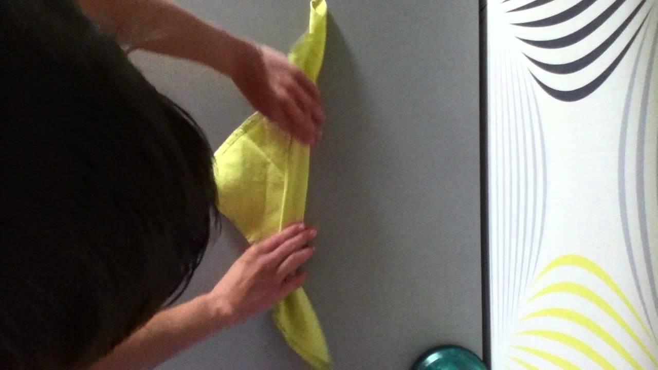 Plier une serviette en forme de feuille d 39 arums d co de table youtube - Plier une feuille en 3 ...