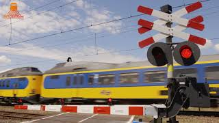 DUTCH RAILROAD CROSSING - Zwolle - Maatgravenweg