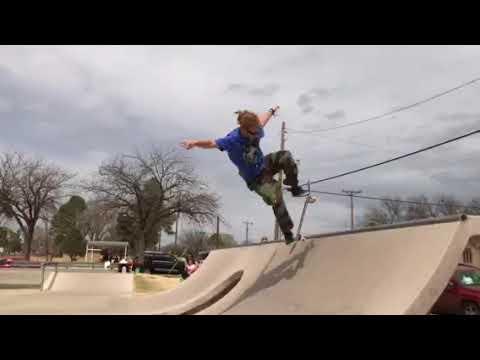 Skateboarding like a PRO that he is 😍