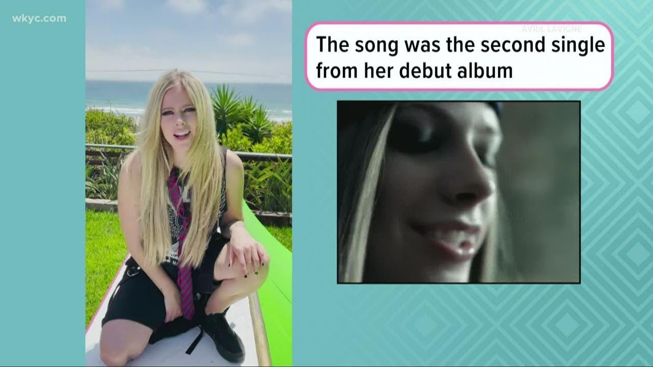 Avril Lavigne makes TikTok debut with Tony Hawk in throwback ...