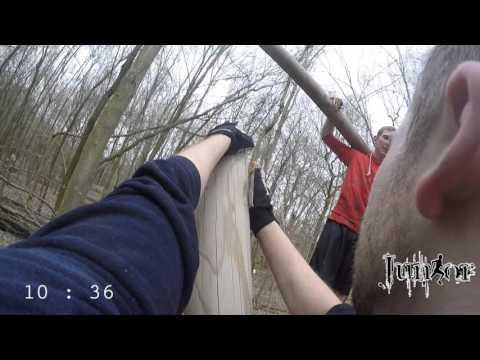 Tough Mudder Training - Woodland Sankt Augustin - Vierte Runde: zwei Mann, ein Stamm