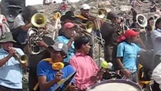 """Desentierro del carnaval en Tilcara ,comparsa """"Poco pero locos"""""""