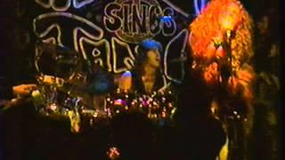 """Angel Forrest chante """"Get It While You Can"""" aux Beaux Esprits le 02 dec.1994"""