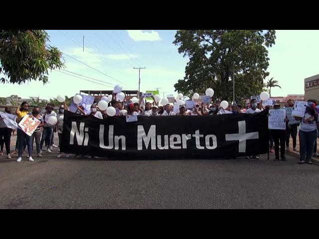 <span class='as_h2'><a href='https://webtv.eklogika.gr/venezoyela-diadiloseis-gia-tis-dolofonies-3-gynaikon' target='_blank' title='Βενεζουέλα:Διαδηλώσεις για τις δολοφονίες 3 γυναικών'>Βενεζουέλα:Διαδηλώσεις για τις δολοφονίες 3 γυναικών</a></span>