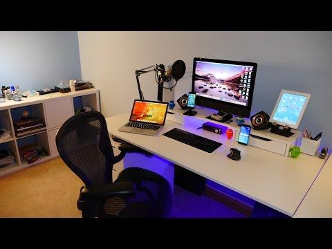 epic-room-tour-&-desk-setup-of-a-geeks-room-(2015)!