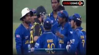 cricket fight sl vs aus heated moments at the end of 2nd t20 srilanka vs australia mcg 2013