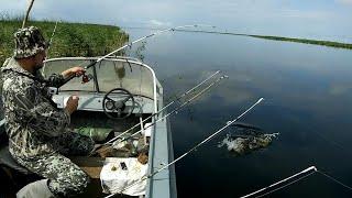 14 кг за 4 часа. Рыбалка с лодки на спиннинги и удочку. Ловля карася, сазана, язя, окуня и щуки..