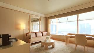Deluxe Suite at The Ritz-Carlton, Millenia Singapore