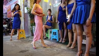 Walking around Massage Street in Saigon(Hochiminh), Vietnam 2019 April, Can I use credit card?