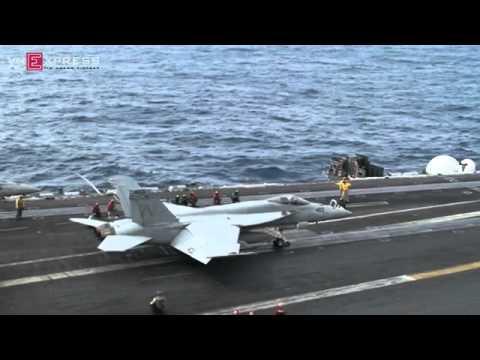 Chiến đấu cơ hạ cánh trên tàu sân bay USS George Washington