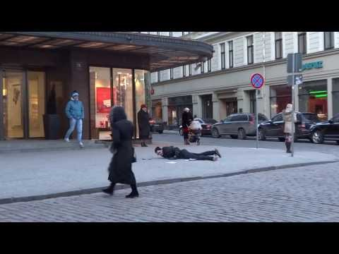 Are People in Latvia Friendly? [Social Experiment] [2014]