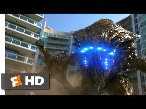 Skyline (2010) - Outrunning the Beast (5/10) | Movieclips
