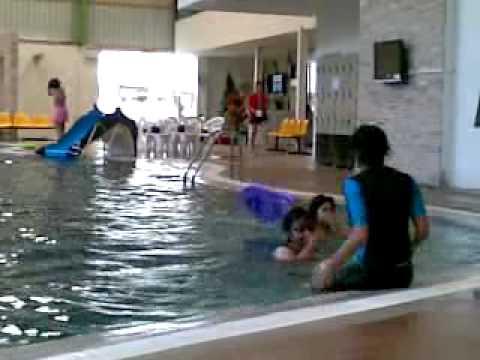 ว่ายน้ำ ที่ขอนแก่น เบส บุ๋ม เซน