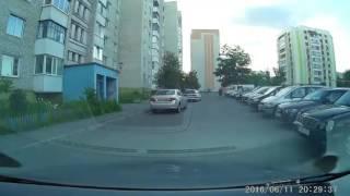 В Мозыре ребенок на велосипеде влетел в VW(, 2016-06-13T12:20:23.000Z)