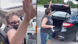 Lyft Driver Freaks Out and Kicks Out Passenger on Highway