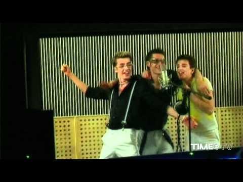 Смотреть клип O-Zone - Dragostea Din Tei