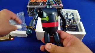 Geéard m'a envoyé un cadeau, un Soul of Chogokin, le GX-24 à savoir le Tetsujin 28 Go, le premier robot géant commandé à distance qui soit apparu dans un ...