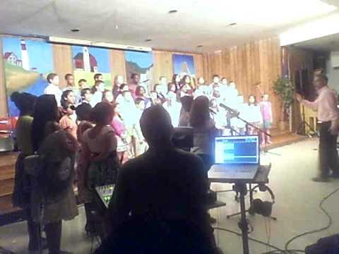 Davenport Ridge School 5th Grade Chorus (Wade In The Water)