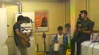 Melisma Sessions: Indian Twin Live In A Laundry Room