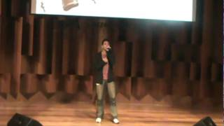 Rafael 'Yudi' cantando「My pace」de Sunset Swish, tema do anime Ble...