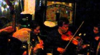 Irish Music Session at Pub Pikilinna