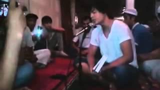 Узбек читает суру из Корана