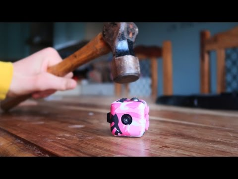 What's inside a Fidget Cube? *VERY SATISFYING!!