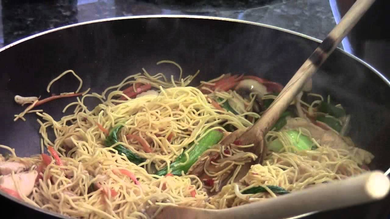How to make chicken chow mein egg noodle youtube how to make chicken chow mein egg noodle forumfinder Image collections