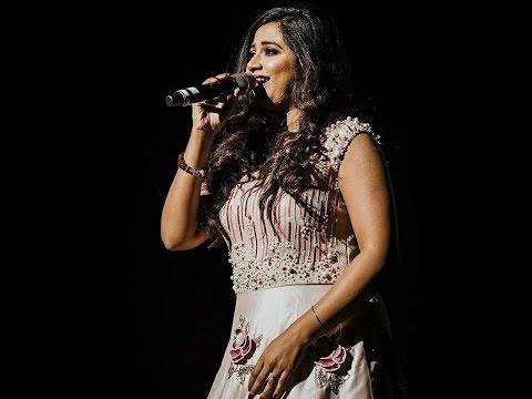 Dhadak song live Shreya ghoshal..
