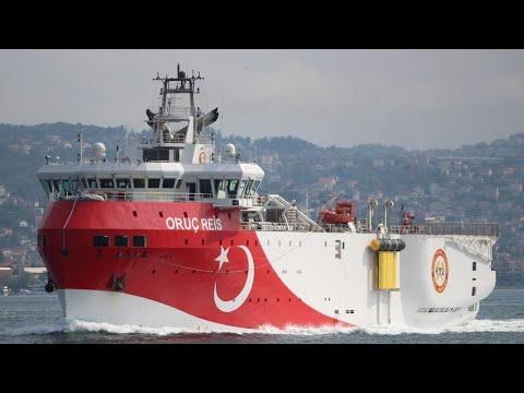فرنسا تعزز وجودها العسكري في شرق المتوسط وماكرون يدعو اليونان وتركيا إلى الحوار  - نشر قبل 2 ساعة