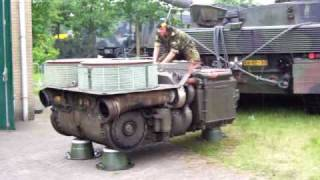 Leopard 2A6 motor sound. Tank engine 1500 pk. Big dude. Diesel power. Motor Kampfpanzer